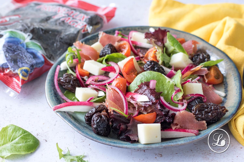 actualité Recette : Salade estivale au pruneau d'Agen et au jambon de pays.